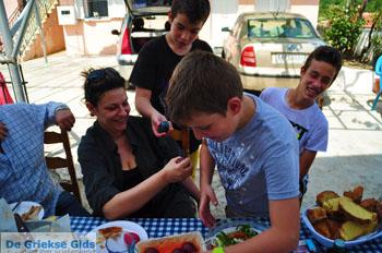 Pasen in Krioneritis | Evia Pasen | De Griekse Gids foto 7 - Foto van https://www.grieksegids.nl/fotos/pasen/normaal/pasen-griekenland-285.jpg
