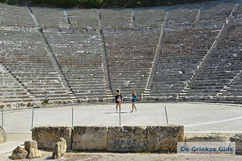 Theater Epidavros -Epidaurus in Argolis op Peloponnesos foto 6 - Foto van https://www.grieksegids.nl/fotos/peloponnesos/argolis/normaal/epidavros-epidaurus-006.jpg