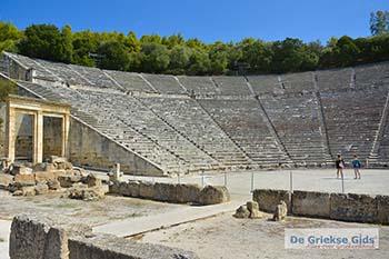 Theater Epidavros -Epidaurus in Argolis op Peloponnesos foto 7 - Foto van https://www.grieksegids.nl/fotos/peloponnesos/argolis/normaal/epidavros-epidaurus-007.jpg