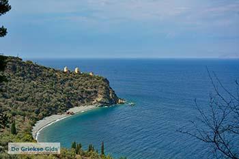 Strand Lygaria bij Paralia Tyros Arkadia Peloponnesos - Griekse Gids - Foto van https://www.grieksegids.nl/fotos/peloponnesos/arkadia/mid/strand-lygaria-bij-paralia-tyros.jpg