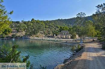 Russian Bay op Poros (Saronische eilanden) nr5 - Foto van De Griekse Gids