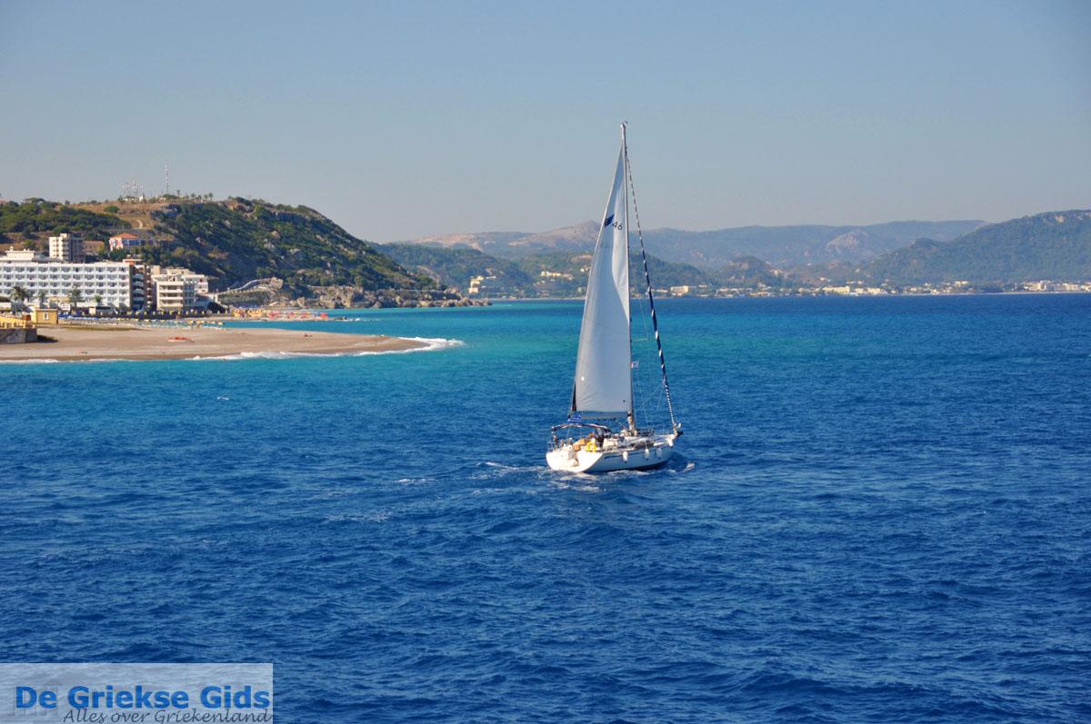 foto Zeilboot | In de  verte Ixia, Ialyssos (Tranda) | Foto 2