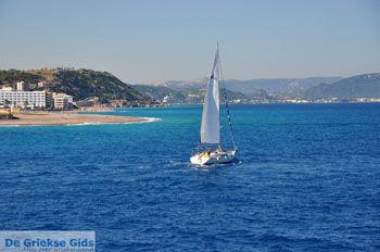 Zeilboot | In de  verte Ixia, Ialyssos (Tranda) | Foto 2 - Foto van De Griekse