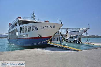Overtocht vanaf Steno in het noordwesten van Salamis - Foto van https://www.grieksegids.nl/fotos/salamina/normaal/salamis-saronische-eilanden-050.jpg