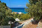Strand Tsambou Kokkari Samos   Griekenland foto 0011 - Foto van De Griekse Gids