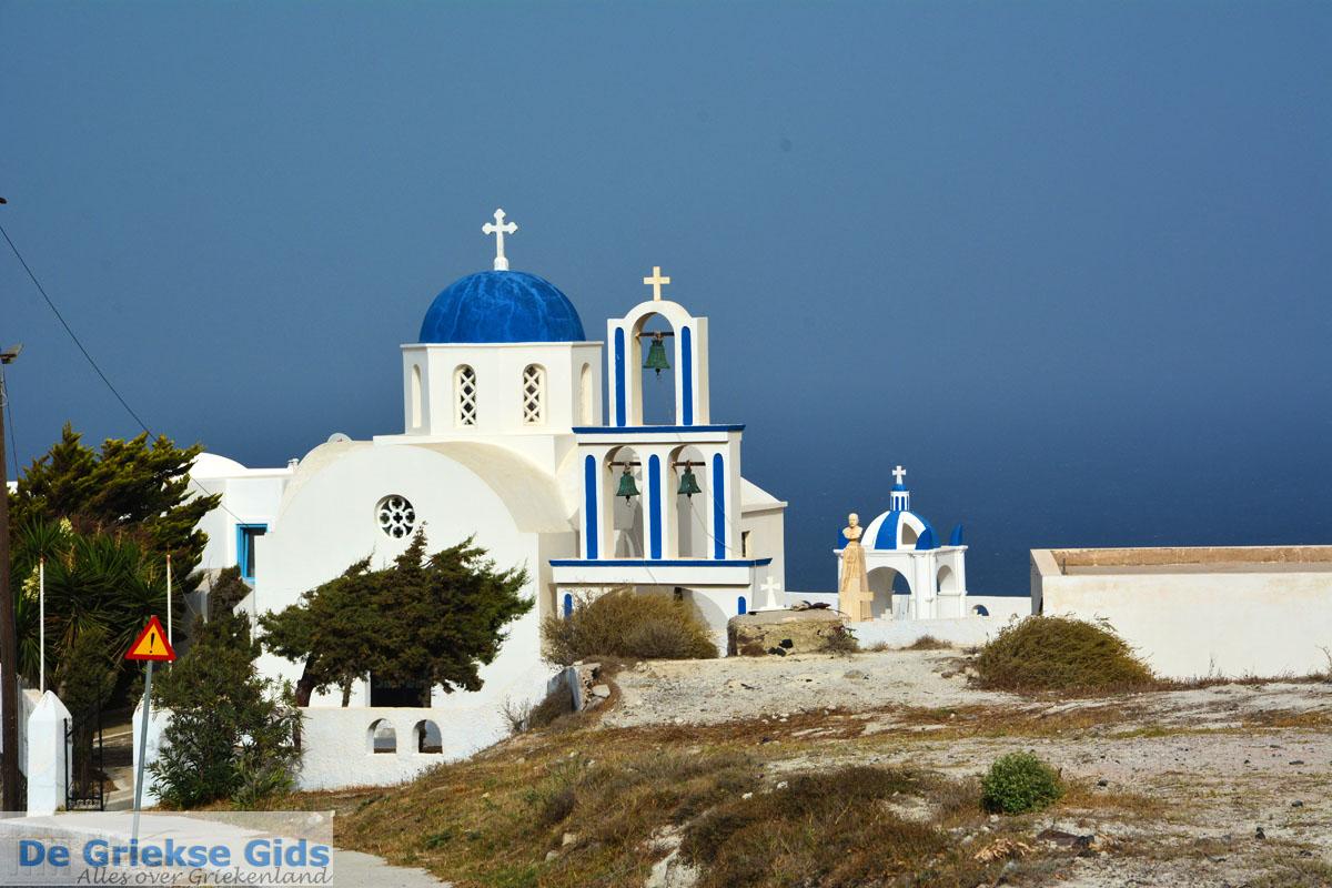foto Kerk bij Kamari Santorini   Cycladen Griekenland    Foto 87