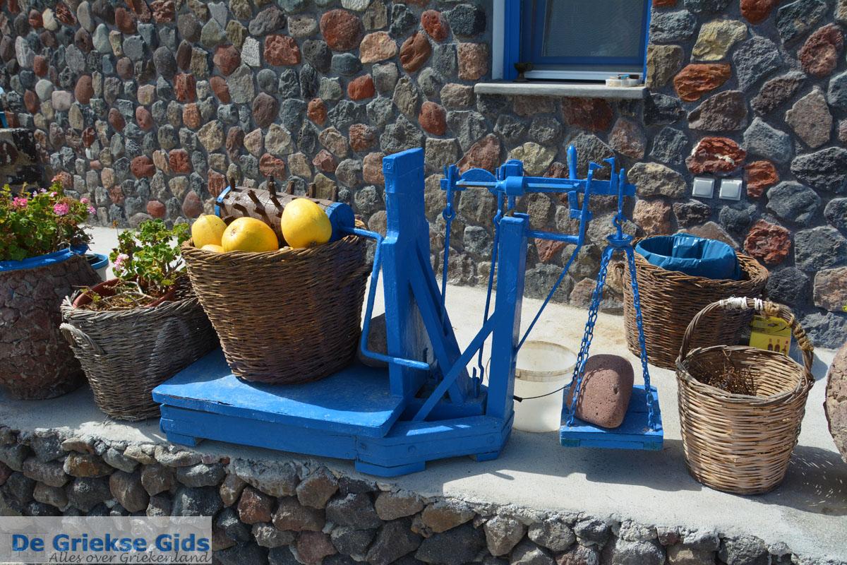 foto Ergens langs de weg op Santorini | Cycladen Griekenland | Foto 1