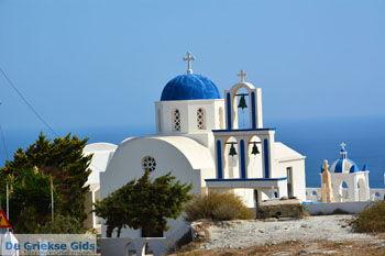 Kerk bij Kamari Santorini | Cycladen Griekenland  | Foto 85 - Foto van https://www.grieksegids.nl/fotos/santorini/normaal/kerk-bij-kamari-santorini-004.jpg