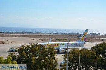 Luchthaven Santorini | Cycladen Griekenland | Foto 1 - Foto van https://www.grieksegids.nl/fotos/santorini/normaal/luchthaven-santorini-001.jpg