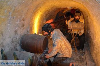 Wijnmuseum Santorini | Cycladen Griekenland | Foto 344 - Foto van https://www.grieksegids.nl/fotos/santorini/normaal/wijnmuseum-santorini-028.jpg