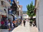 Winkelstraat Papadiamantis in Skiathos-stad foto 4 - Foto van De Griekse Gids