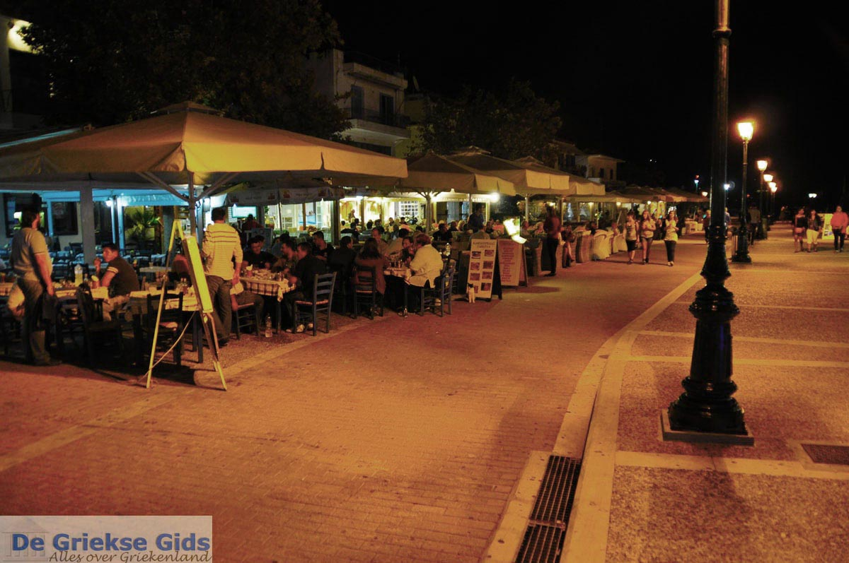 foto Avond in Skiathos Stad | Sporaden | De Griekse Gids foto 1