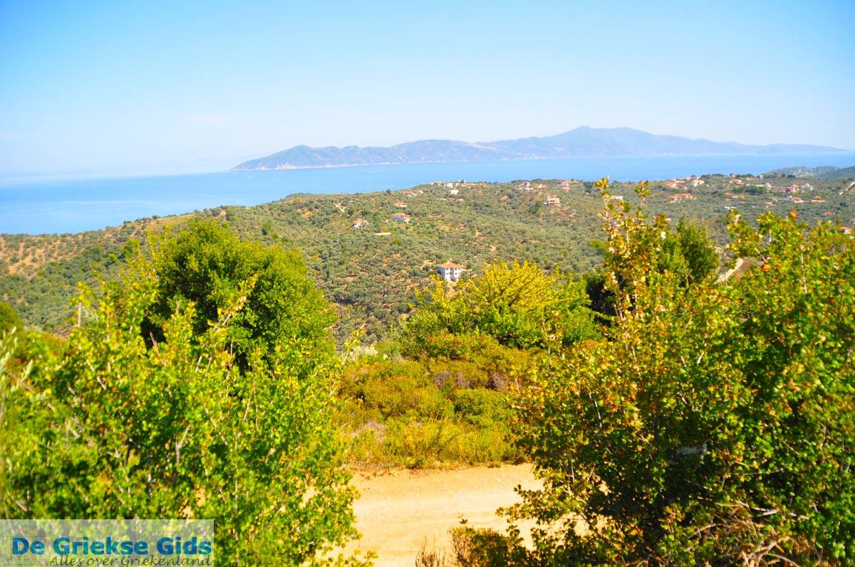 foto Skiathos en in de verte Skopelos | Sporaden | De Griekse Gids foto 1