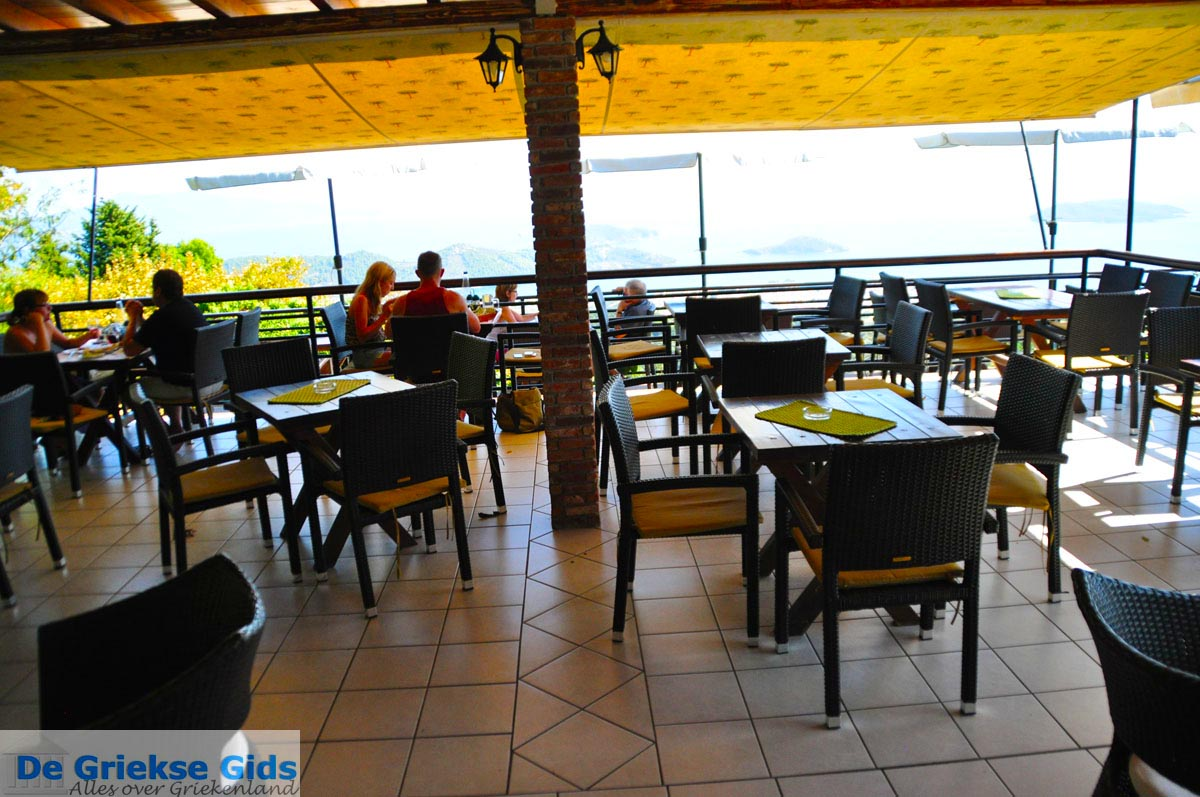 foto Restaurant Platanos bij Profitis Ilias | Skiathos Sporaden | De Griekse Gids foto 1