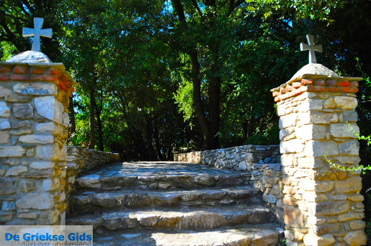 foto Kerk Anastasa en Friktoria, de communicatie toren | Skiathos Sporaden | foto 1