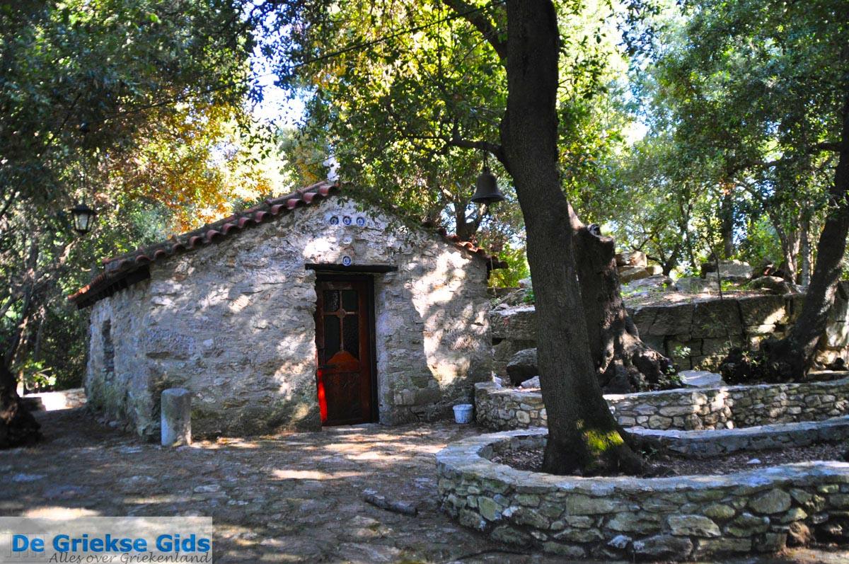 foto Kerk Anastasa en Friktoria, de communicatie toren   Skiathos Sporaden   foto 8