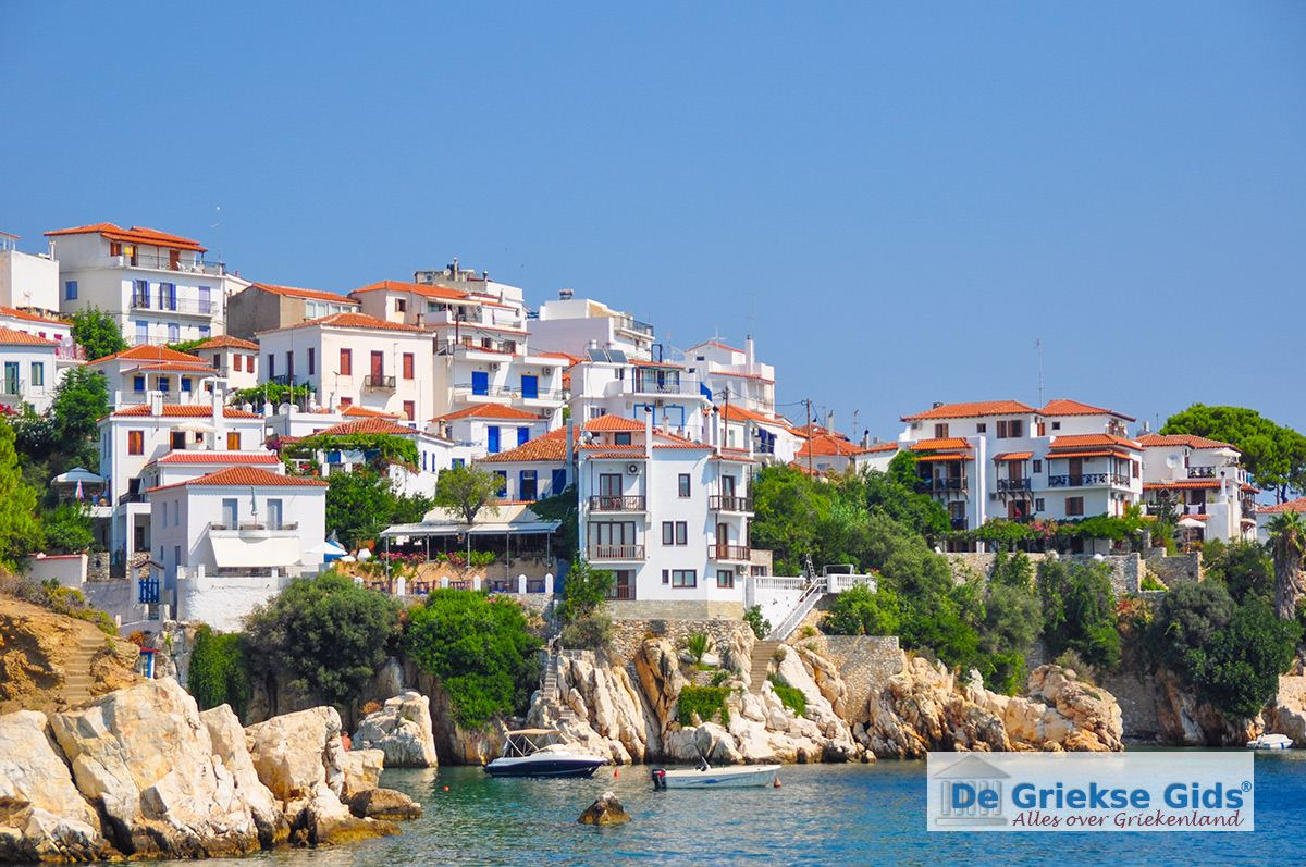 Photos of skiathos town skiathos pictures skiathos town for Skiathos town hotels