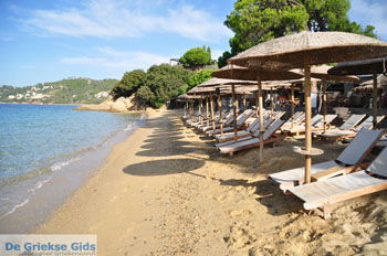 Vromolimnos | Skiathos Sporaden | De Griekse Gids foto 3 - Foto van De Griekse Gids