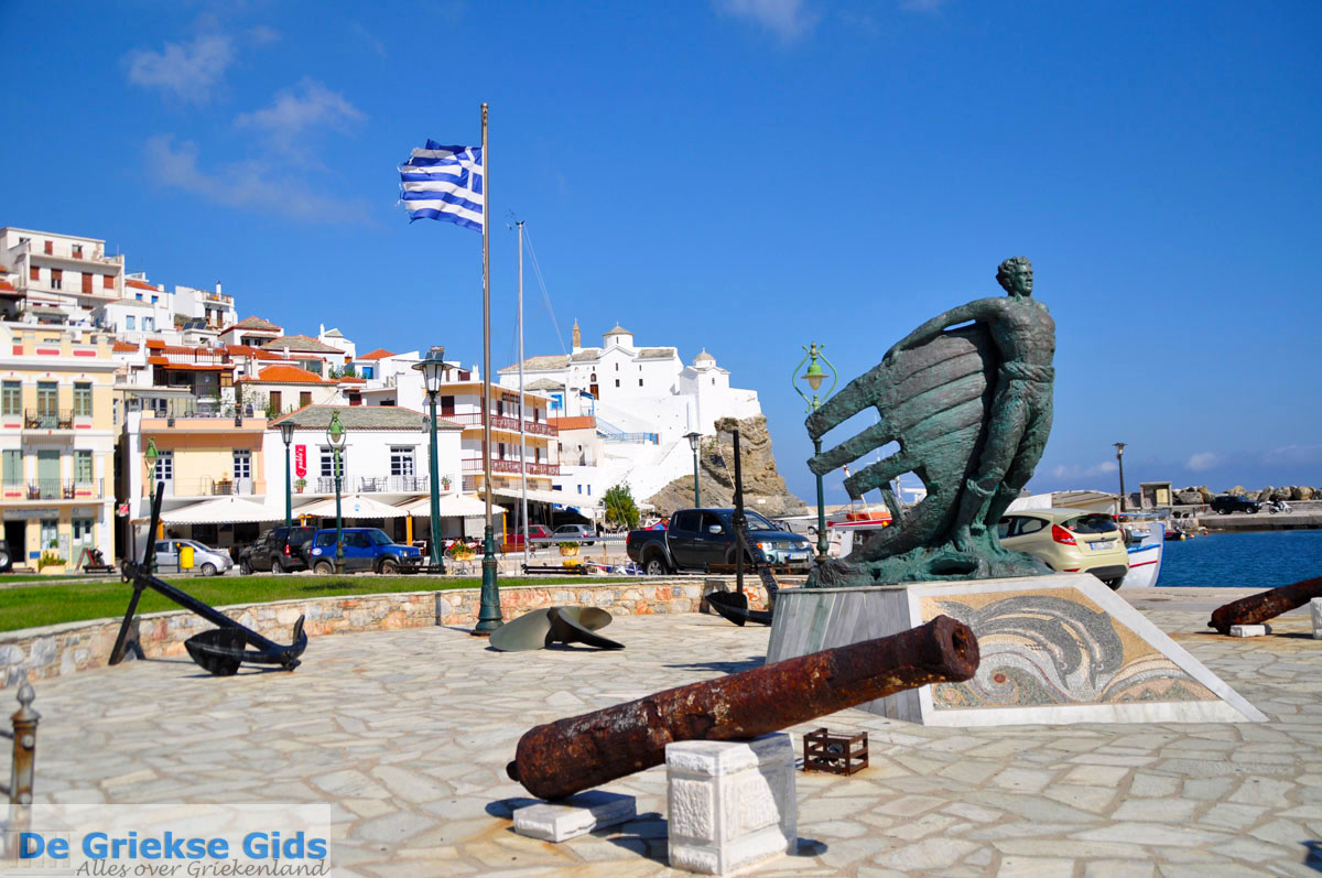 foto Skopelos stad   Sporaden Griekenland foto 21