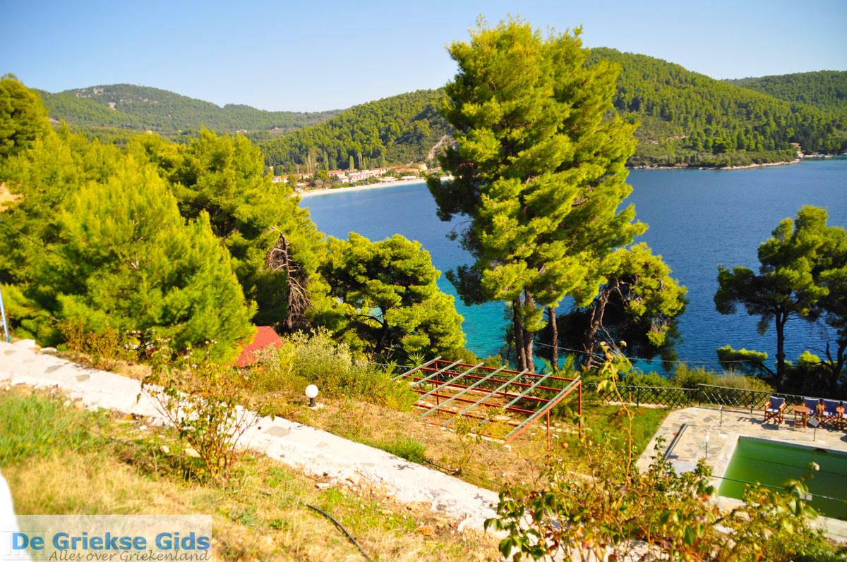 foto Panormos Skopelos   Sporaden Griekenland foto 19