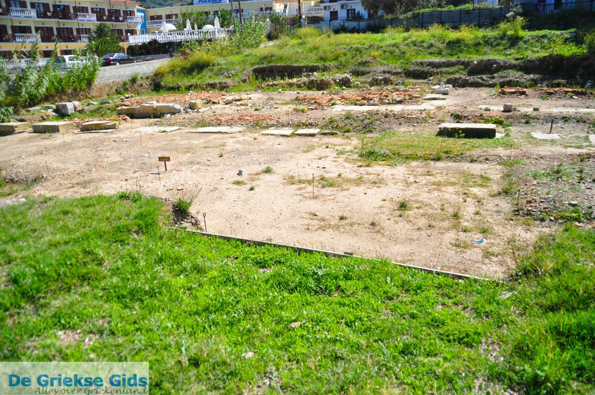foto Archeologische opgravingen Skopelos stad   Sporaden Griekenland foto 1