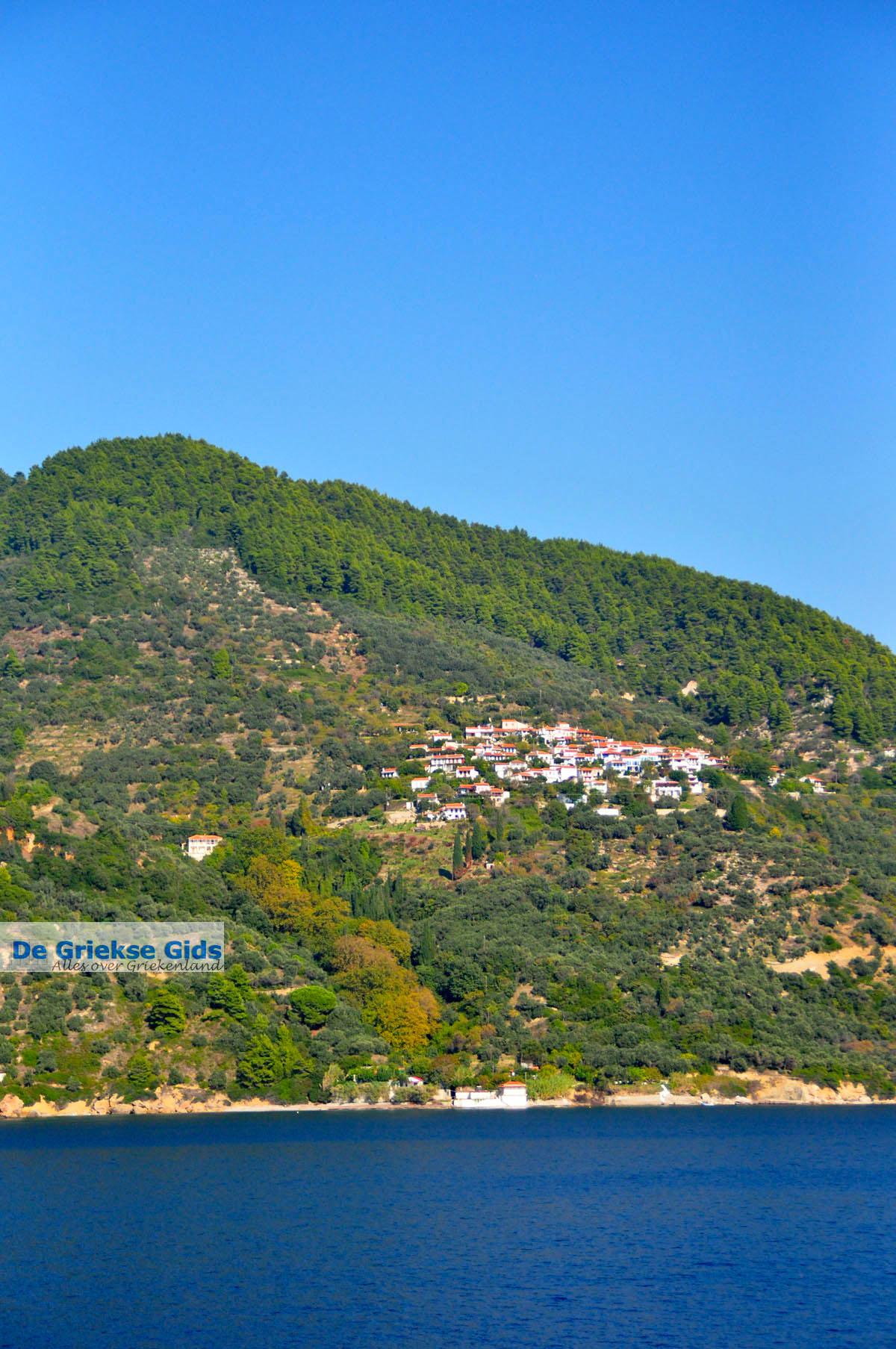 foto Glossa en haven Loutraki Skopelos | Sporaden | De Griekse Gids foto 13