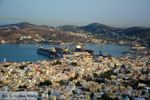 Uitzicht haven Ermoupolis vanaf Ano Syros | De Griekse Gids foto 12 - Foto van De Griekse Gids