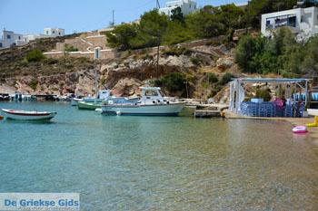 Achladi, strand in de baai van Vari | Syros | Griekenland nr 6 - Foto van De Griekse Gids