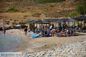Delfini Beach bij Kini | Syros | Griekenland foto 13 - Foto van De Griekse Gids