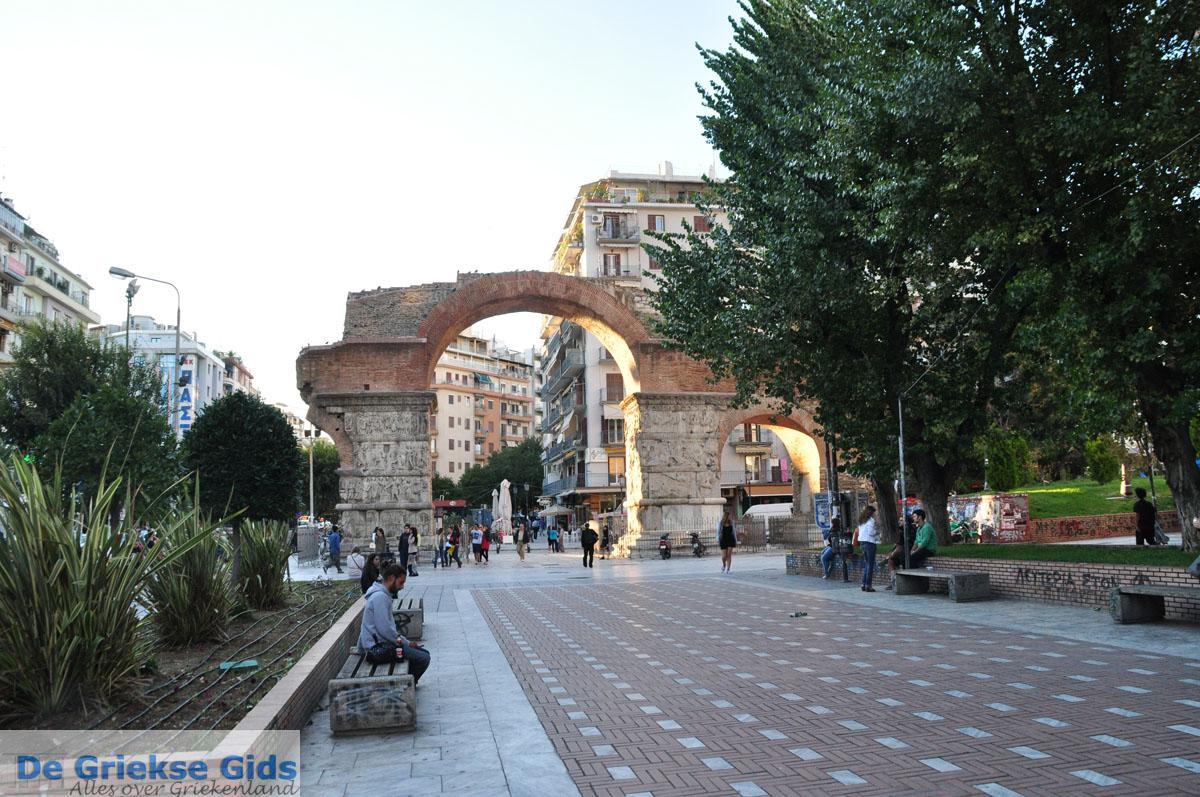 foto Triomfboog Galerius | Thessaloniki Macedonie | De Griekse Gids foto 1