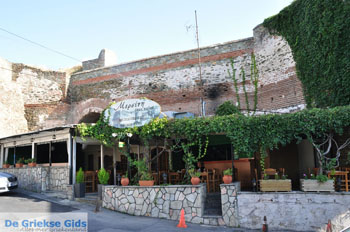 Taverna bovenstad | Thessaloniki Macedonie | De Griekse Gids foto 21 - Foto van https://www.grieksegids.nl/fotos/thessaloniki/normaal/thessaloniki-grieksegids-021.jpg