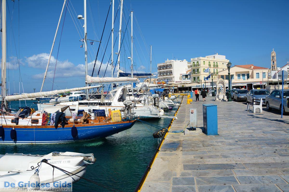 foto Tinos stad   Griekenland   De Griekse Gids foto 43