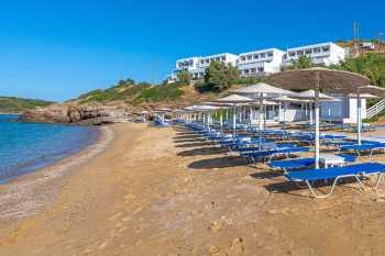 Perrakis hotel op het strand Kypri beach - De Griekse Gids - Foto van Perrakis Hotel