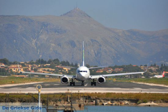 Transavia vliegtuig landt in Griekenland