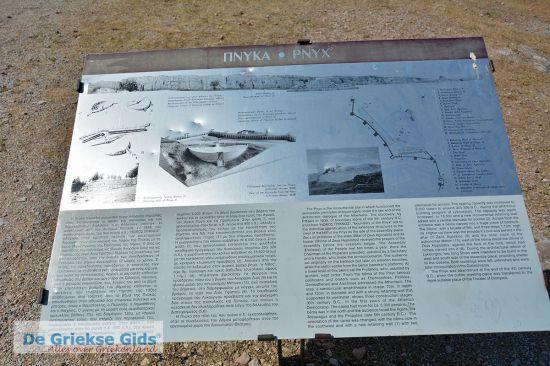Informatiebord op de heuvel Pnyx