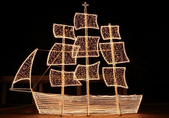 verlicht bootje Griekenland kerstmis