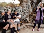 Een ontroerende foto in de eilandpers van Lesbos