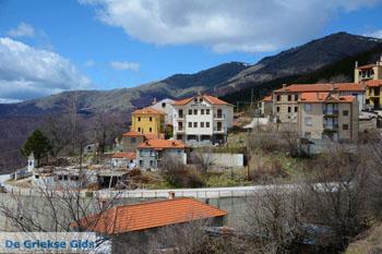 Het bergdorpje Pisoderi bij het skigebeid Vigla   Florina Macedonie 2 - Foto van De Griekse Gids