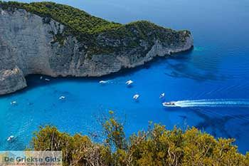 Scheepswrak - Navagio Zakynthos - Ionische eilanden -  Foto 4 - Foto van https://www.grieksegids.nl/fotos/zakynthos/scheepswrak/350pix/scheepswrak-zakynthos-004.jpg