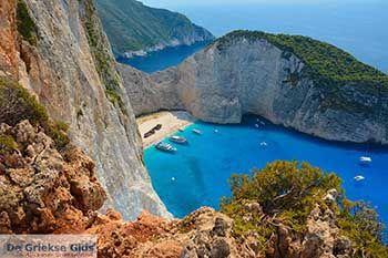 Scheepswrak - Navagio Zakynthos - Ionische eilanden -  Foto 13 - Foto van https://www.grieksegids.nl/fotos/zakynthos/scheepswrak/350pix/scheepswrak-zakynthos-013.jpg