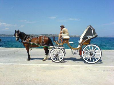 Paard met koets in Spetses - Foto van alice41