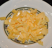 Bifteki me tiri - gevulde gehaktballetjes met kaas