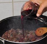 Blus af met wijn