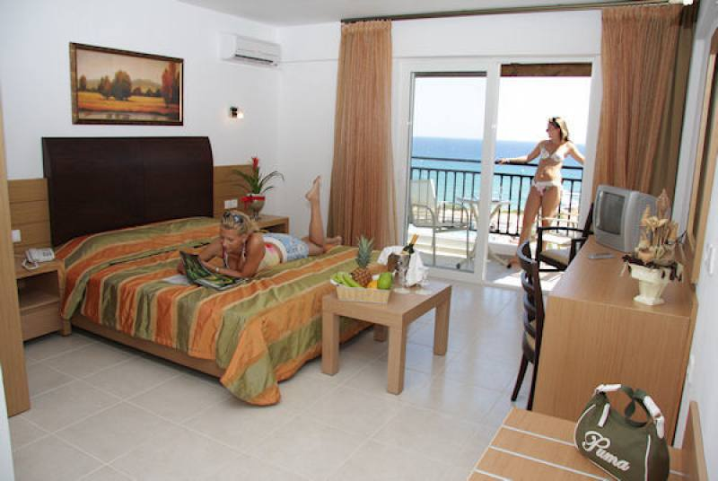 hotel suite mediterraneo: